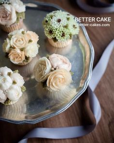 Better class in China !  *Any inquiries : bettercakes@naver.com . www.better-cakes.com #buttercream#cake#China#baking#koreanbuttercream#bettercake#버터크림케익#베러케익#yummy#flowers#꽃#sweet#플라워케이크#foodporn#birthday#flowercake#디저트#foodie#dessert#버터크림플라워케익#follow#food#koreancake#beautiful#flowerstagram#instacake#like#꽃스타그램#shanghai#instafood#