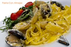 Easy Cooking, Spaghetti, Meat, Chicken, Ethnic Recipes, Food, Al Dente, Pasta Recipes, Plate