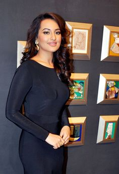 Sonakshi Sinha at an art event.