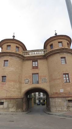 Calatayud Mansions, House Styles, Home Decor, Youth, Zaragoza, Countries, Mansion Houses, Homemade Home Decor, Manor Houses