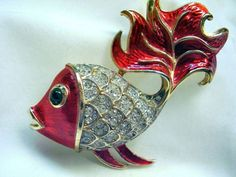 TRIFARI - Ruffle Fish Pin -  Enamel & Rhinestones - Vintage 1965 - Book Piece