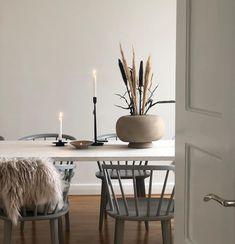 Scandinavian Living, Scandinavian Design, Chinese Interior, Interior Decorating, Interior Design, Big Houses, Furniture Decor, Interior Inspiration, Modern