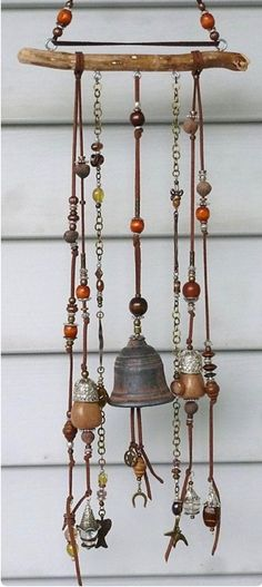 Looking for the cutest and the best wind chimes for your nest? We have collected you all the internet-loved wind chimes to accessorize your home with. Carillons Diy, Sell Diy, Fun Crafts, Diy And Crafts, Decor Crafts, Deco Nature, Diy Wind Chimes, Shell Wind Chimes, Creation Deco