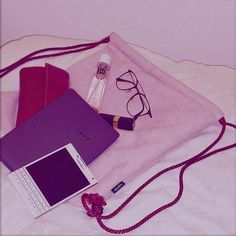 #inst10 #ReGram @confidenceswe: BlackBerry Passport #BlackBerry #blackberrypassport from @mila.sulin.vranjes Got lot's of love for my new @abellalondon bag in soft pink with crimson cords. Ordered my first one about a week ago. The inside is made of wool and since I'm always on the run it's the perfect sized bag for stuff like books phones and makeup. Even shoes can fit in. Perfect Go check out their instagram page @abellalondon. Really cute bags.  #happy #photooftheday #instagood #fashion…