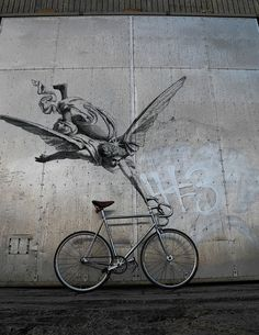 Bike Angel. Street art 000