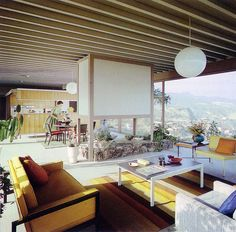Photo Gallery of Midcentury Modern Living Room. Find ideas and inspiration for Midcentury Modern Living Room to add to your own home. Mid Century Modern Living Room, Mid Century Decor, Mid Century House, Mid Century Modern Design, Century Hotel, Mid-century Interior, Modern Interior Design, Architecture Design, Vintage Architecture