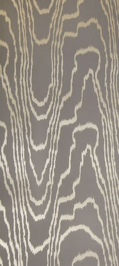 KELLY WEARSTLER | AGATE WALLPAPER IN TAUPE GOLD. Inspired by the natural veining found in cerused oak. Organic, textural wallpaper that embodies Kelly's signature raw and refined aesthetic.
