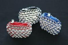 Soda Pop Top Coin Purse Recycle Eco-Friendly Light weight Great for putting money in there Has a zipper Pop top is the Soda Tab Crafts, Can Tab Crafts, Aluminum Can Crafts, Tape Crafts, Pop Top Crochet, Pop Top Crafts, Pop Can Tabs, Soda Tabs, Diy Sac