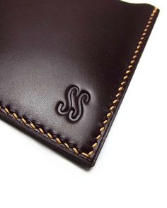 Personalized Leather card Holder Vertical Naturally, #monogram $45.00  #leather #redwood  www.sakao.etsy.com