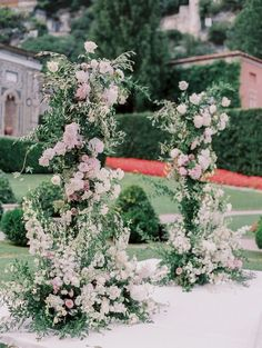 Lake Como Wedding in ivory and white with coffee, mauve, dusty blush and gray, wedding ceremony Wedding Table Centerpieces, Floral Centerpieces, Ceremony Decorations, Flower Arrangements, Mauve Wedding, Floral Wedding, Luxury Wedding, Dream Wedding, Comer See