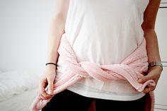 LIKE A ROSE Modezeilen.blogspot.com #fashion #modezeilen #fashionblogger #inspiration #streetstyle #pink #pastels #knitwear #barbie #casualstyle