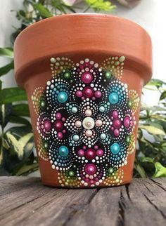 Mandala on Clay pot Dot Art Painting, Mandala Painting, Pottery Painting, Stone Painting, Clay Pot Projects, Clay Pot Crafts, Rock Crafts, Arts And Crafts, Painted Clay Pots
