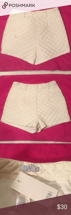 *NWT*highwaisted white leather Tobi shorts sz-SM *NWT* beautiful pair of white leather highwaisted Tobi shorts, size small. They zip up on the side & are versatile to be worn in any season (throw some tights under in the cooler months)!! Tobi Shorts