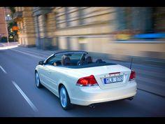 2010 Volvo C70 - Vanilla Pearl Rear Angle Speed - 1920x1440 - Wallpaper