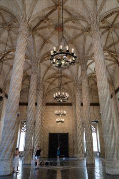 La Lonja de Valencia, salón columnario