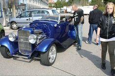 Kongeblå Hot Rod: Bilen kunne opleves til Danmarks største vejfest i 2011, der blev holdt i Brøndby på Vallensbækvej. Se alle billederne på http://www.es-motor.dk/pages/billeder/vis_serie.asp?serienr=72803