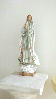 Nossa Senhora de Fátima 45cm.  ArtCunha Imagens Sacras (21) 2445-1929 / 98558-3595.  Est. Bandeirantes, 829, Taquara, Rio de Janeiro, RJ.  #NossaSenhoradeFátima #NossaSenhoradeFatima #NossaSenhora #artesacra #artesanato #RiodeJaneiro #ErreJota #IgrejaCatólica #IgrejaCatolica #PapaFrancisco #católicos #catolicos