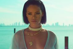 Rihanna-Needed-Me-Music-Video-Photoshoots-1