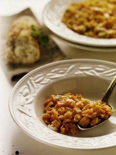Σπαρτιάτικες χυλοπίτες με θρυμματισμένη φέτα - www.olivemagazine.gr Turkey Meatloaf, Chana Masala, Feta, Macaroni And Cheese, Ethnic Recipes, Mac And Cheese