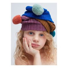 The very best Baby Fashion brands are available on Smallable, the Family Concept Store. Discover our large and beautiful selection of Girl Beanies . Girl Beanie, Beanie Hats, Beanies, Knitting For Kids, Baby Knitting, Pom Pom Baby, Milk Magazine, Kid Poses, Baby Alpaca