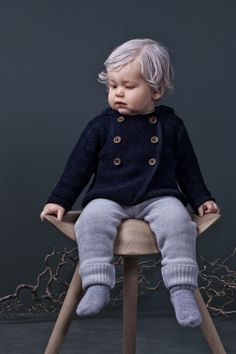 Mole Little Norway presents a new winter styles for kids with color palettes inspired by the northern lights, winter sunsets with magenta and bright red, and also crispy greys and blue tones together with natural shades of nature. Baby Boy Shoes, Crib Shoes, Toddler Fashion, Kids Fashion, Little Man Style, Baby Style, Cozy Fashion, Fashion Project, Kids Branding