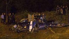 Image copyright                  AP                  Image caption                                      El helicóptero se vino a tierra repentinamente.                                Cuatro funcionarios policiales murieron en el accidente de un helicóptero policial que sobrevolaba la conocida favela Ciudad de Dios de Río de Janeiro. Grabaciones del suceso per