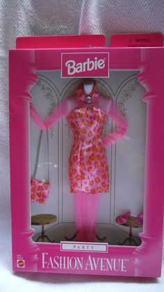 BARBIE FASHION AVENUE 1997 Hot Pink Flower Dress Tights 18157 | eBay