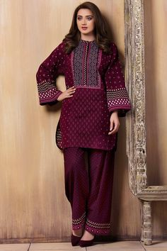 Frock fashion - Ravishing Pakistani maroon 2 piece pret wear by Unstitched 2 Piece by Kayseria Prets 2018 Pakistani Fashion Casual, Pakistani Dresses Casual, Pakistani Dress Design, Indian Dresses, Indian Fashion, Casual Dresses, Pakistani Bridal, Indian Outfits, Pakistani Couture
