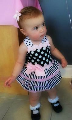 Matching polka dot dress for birthday What a Cutie! Birthday Girl Dress, Birthday Dresses, Winter Outfits For Girls, Kids Outfits, Tutu Outfits, Little Girl Dresses, Girls Dresses, Baby Dress Patterns, Kids Frocks