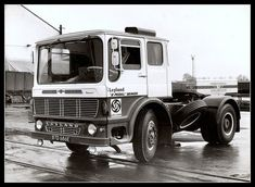 Hope you like it :) Remember if you like it your friends might like it too so why not add them to the group? Classic Trucks, Classic Cars, Old Lorries, Old Wagons, Road Train, Classic Motors, Commercial Vehicle, Vintage Trucks, Cool Trucks