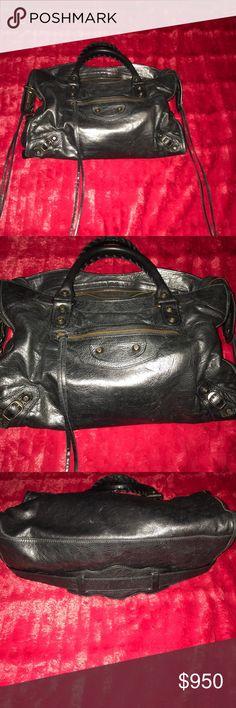 BLACK IS BEAUTIFUL 😎 Beautiful Balenciaga City Lambskin Bag.  Great condition.  Mirror included. Perfect partner to Black Balenciaga dress 👗 in my closet. Balenciaga Bags Crossbody Bags