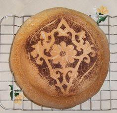 Kakaómintás kenyér.  http://szanter.blogspot.hu/p/kakaomintas-kenyerek.html