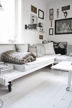 white / sofa / wood #design #home #decoration