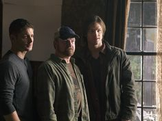 Love this pic! Jim beaver (bobby) and J2	Supernatural Behind The Scenes - jared-padalecki-and-jensen-ackles Photo