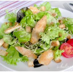 Салат «Цезарь» с курицей и сухариками – это классический рецепт знаменитого салата, наиболее близкий к оригинальному блюду, которое изобрел Цезарь Кардини. Петелинка предлагает вам приготовить в домашних условиях салат по этому несложному рецепту, чтобы в полной мере оценить талант