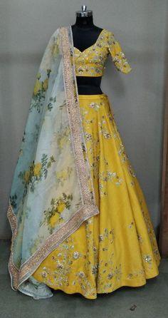 """Designer Lehengas online, we offer exclusive collection for lehenga online shopping like bridal lehenga sarees, ghagra choli"" 👉 CALL US : + 91 - 01094 or Whatsapp DESIGNER LEHENGA WORK – Handwork COLOURS Available In All Colours Fine quality fabric Lehenga Designs, Half Saree Designs, Blouse Designs, Indian Bridal Lehenga, Red Lehenga, Anarkali, Lehenga Choli, Lehenga Blouse, Pakistani Bridal"