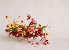 Fall Home Decor, Autumn Home, Fall Diy, Thanksgiving Table, Fall Flowers, Decorating Your Home, Floral Wreath, Wreaths, Table Decorations