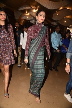 Sonam Kapoor at 'Padmasitaa' Launch : I might be in the minority but I literally cannot find a single flaw in this look. It's beautiful saree by Anavila and Sonam did full justice to it. And the silver Amrapali jewelry and lightly braided open...
