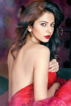The sultry Rakul casts her spell! #Sultry #Hot #RakulPreetSingh #Actres #20likes #followme #followback #like4like #follow4follow  Get hooked to your fav star, To download the FREE app, Visit http://follo.co.in/app