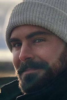 Zac Efron Survives On Vegan Food in The Desert. Beautiful Women Quotes, Beautiful Tattoos For Women, Strong Women Quotes, Handsome Men Quotes, Handsome Arab Men, Zac Efron Beard, Zac Efron Eyes, Zac Efron Hair, Strong Woman Tattoos