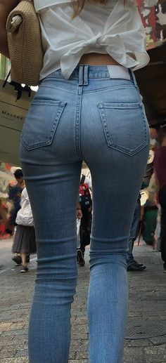 Superenge Jeans, Skinny Jeans, Denim Attire, Sexy Hips, Daisy Dukes, Best Jeans, Girls Jeans, Jeans Style, Pin Up Girls