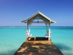 This could be what a typical day looks like if you moved to Jamaica...