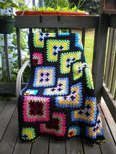 cajunmama: (via Crochet Afghan Granny Square Black Geometric by by Kraftii1 | Craft Juice) ~ free pattern