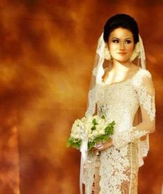 Kebaya with veils for Akad