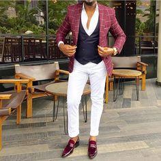 No photo description available. Indian Men Fashion, Mens Fashion Suits, Mens Suits, Designer Suits For Men, Designer Clothes For Men, Street Style Suit, Best Business Casual Outfits, Costume Africain, Blazer Outfits Men