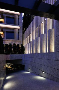 Facade Lighting, Exterior Lighting, Sconce Lighting, Lighting Design, Landscape Walls, Landscape Lighting, Outdoor Light Fixtures, Outdoor Lighting, Light Architecture