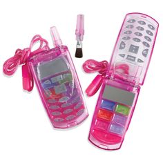 small town memories (Libby) After seeing her cousin Cayla's cell phone lip gloss compact, she MUST h Childhood Memories 90s, Childhood Toys, Right In The Childhood, Kids Makeup, Makeup Set, Makeup Ideas, Lip Gloss, Retro Vintage, Early 2000s