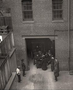 Suffragettes arriving in jail