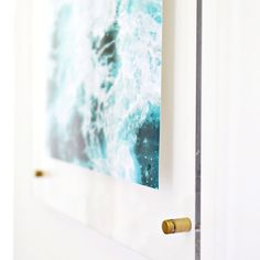 Floating Acrylic Frame DIY How to make an acrylic frame! via A Beautiful Mess I am really excited to share today's DIY with you because I L.