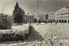 Piazza Campedèl Belluno Dolomiti Veneto Italia da  Belluno e la sua storia https://www.facebook.com/groups/350195298472781/?ref=ts&fref=ts